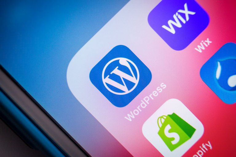 Wordpress and Wix Apps on a Phone
